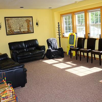 Large, light, comfortable waiting room | Dr. Michael Kim's Silverton Dental Office